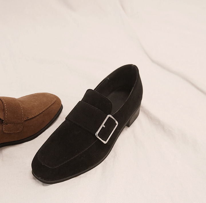 [SHOES] BOARD BUCKLE SUEDE LOAFER