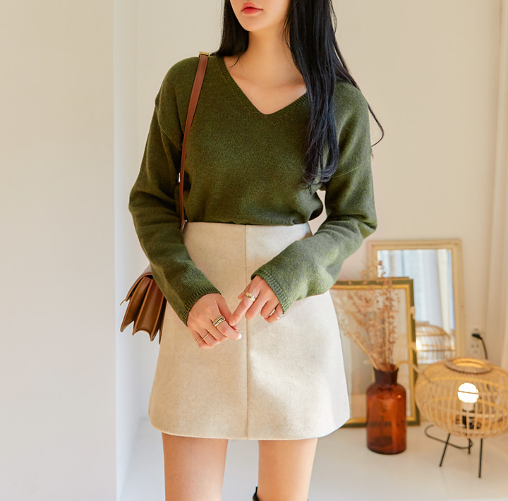 [TOP] VERA LAMB`S WOOL 60% V NECK KNIT