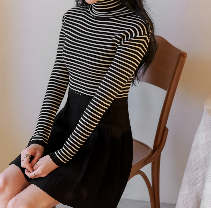 [TOP] VREW STRIPE TURTLE NECK KNIT