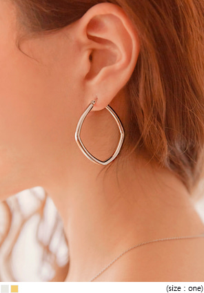 [JEWELRY] CONT SIMPLE SQUARE EARRING