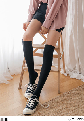 [ACC] BASIC KNEE HIGH SOCKS