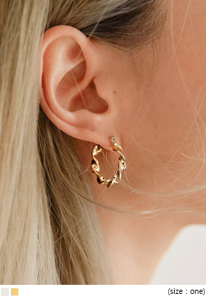 [JEWELRY] LENISION TWIST RING EARRING