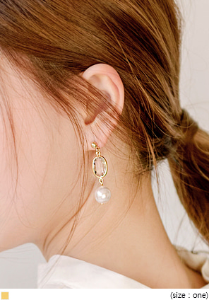 [JEWELRY] CLEAR CRYSTAL PEARL EARRING