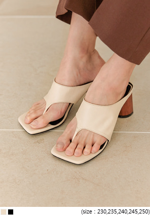 [SHOES] BISS SQUARE FLIP FLOP MIDDLE HEEL